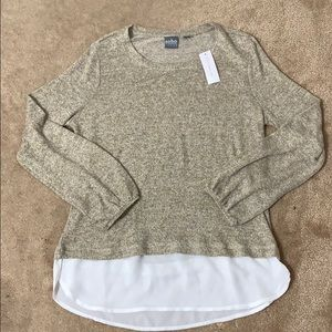 Sweater with chiffon bottom hem